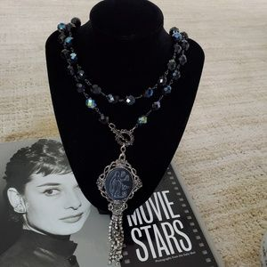 Jewelry - Gorgeous boutique necklace
